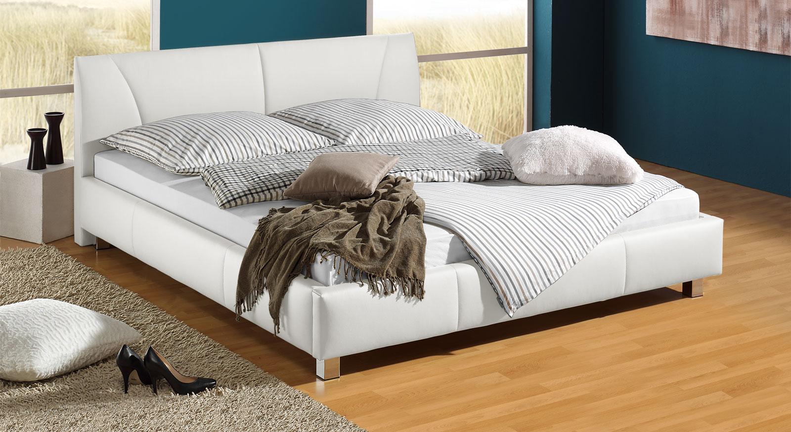 Bett 140x200 in Kunstleder